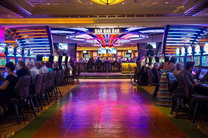 San bernardino casinos casino dealer live online